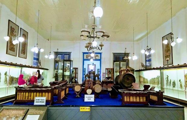 tiket masuk museum radya pustaka